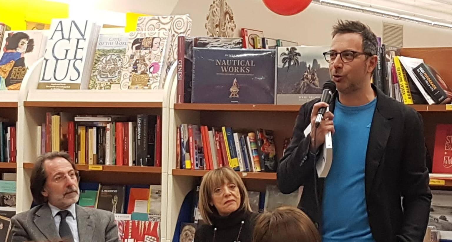 Luca Bianchini presenta il suo libro alla Libreria Grande