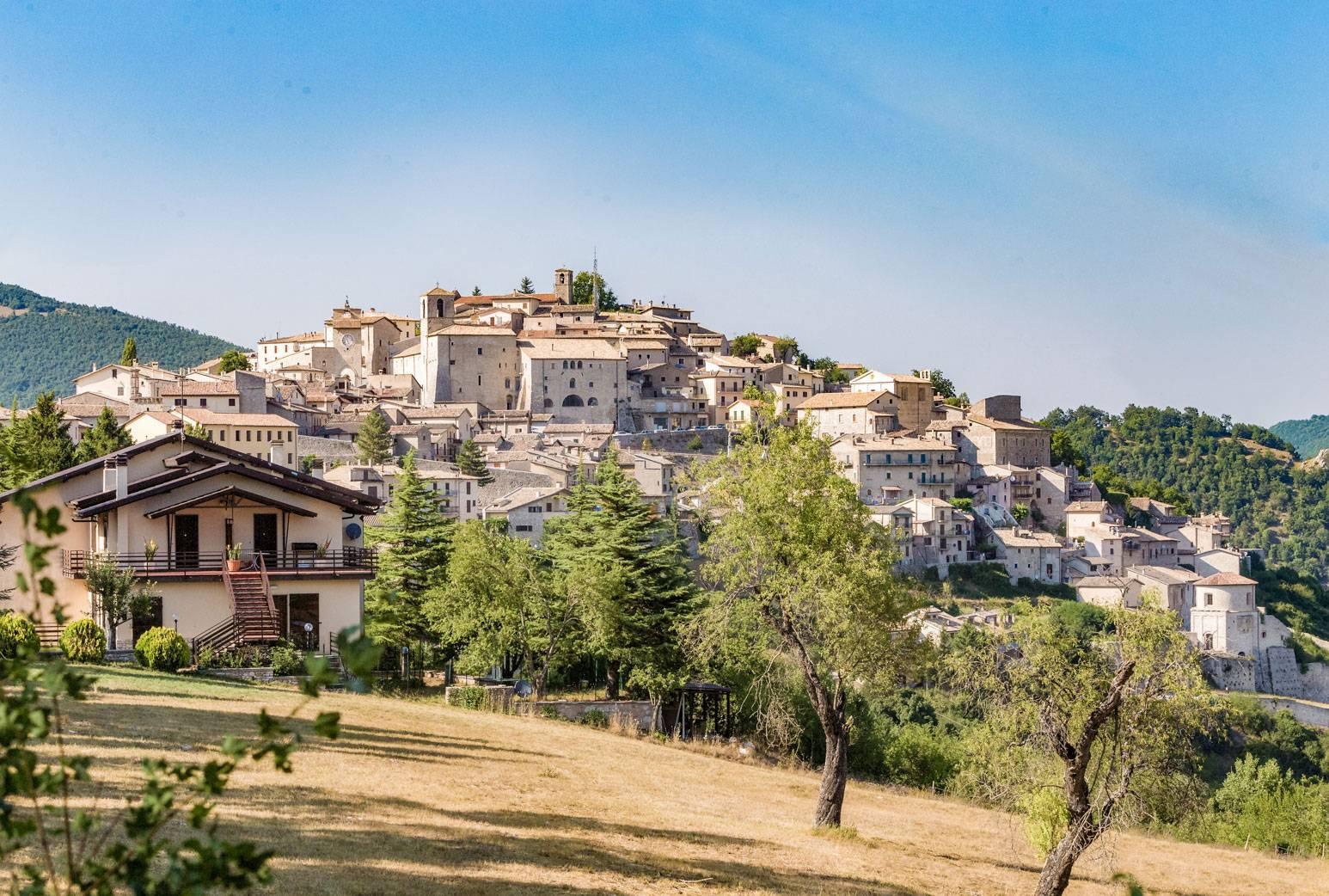 nella fotografia una vista panoramica di monteleone di spoleto